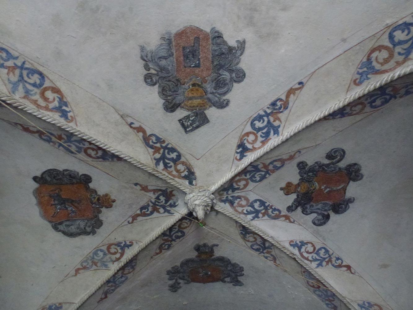 Herby na suficie sieni - Zamek w Zatorze