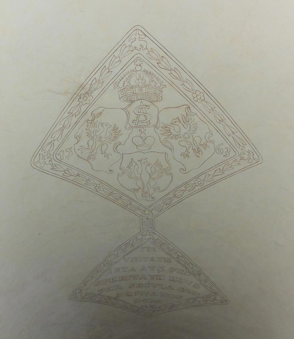 Malowidło medalu na sklepieniu klatki schodowej